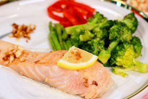 Seared Salmon with Rainbow Salad