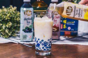 Chrysanthemum Milk Tea With Chestnut Pearls